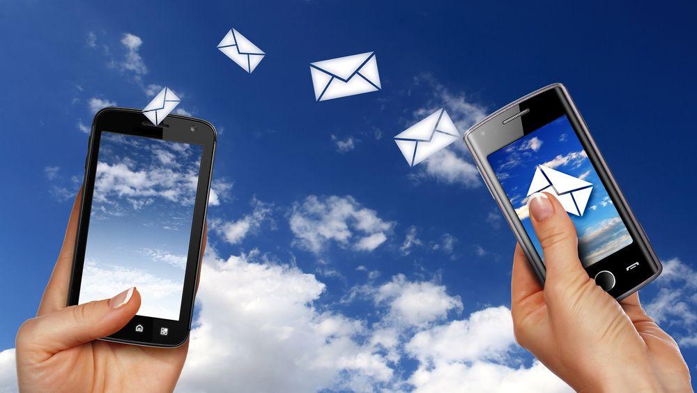 Forbrukerne får mer av alt både på mobiltelefoni og bredbånd, og de betaler mindre. Helt greit, mener Post- og teletilsynet.