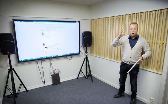 Lager lydlab med E18-støy. Audun Solvang, Brekke & Strand Akustikk AS. Foto: Eirik Helland Urke