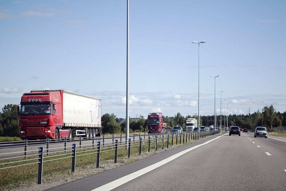 Ved å laste ned en ny applikasjon kan norske sjåfører registrere utenlandske tungtransportsjåfører som kjører i Norge. Målet med applikasjonen er å fastslå hvor mye av den utenlandske kjøringen som skjer ulovlig.