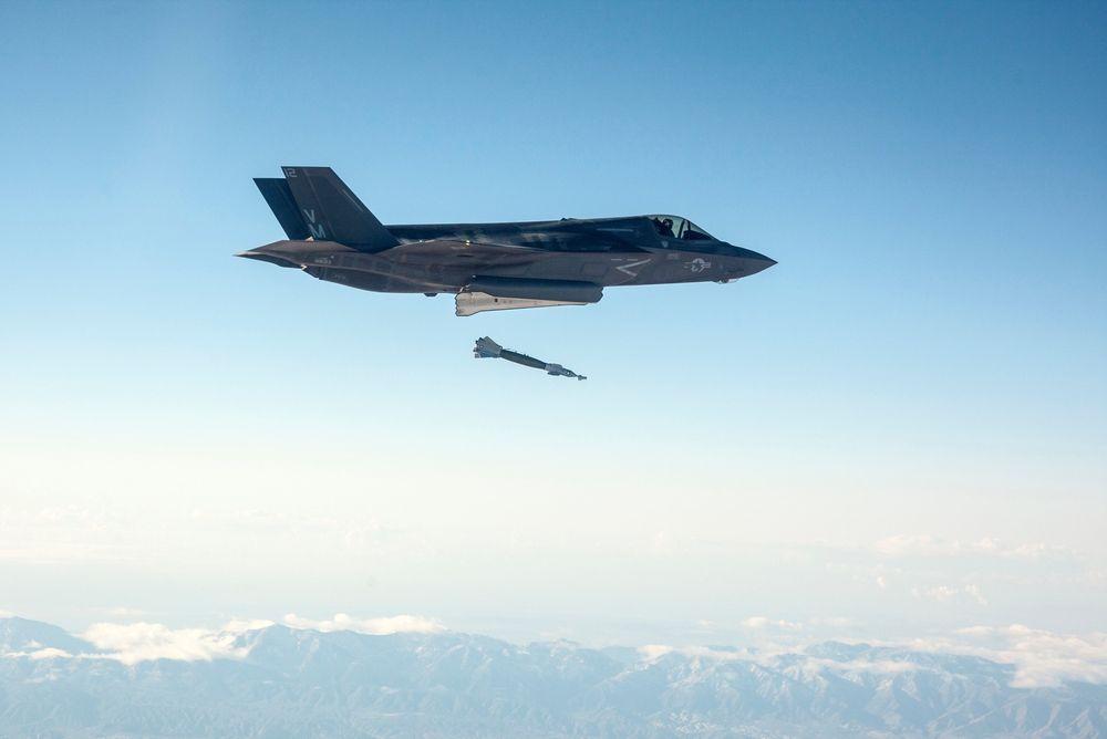 52 nye F-35-kampfly til forsvarets flåte bidrar til at det nå etterlyser flere teknologer til luftforsvaret.