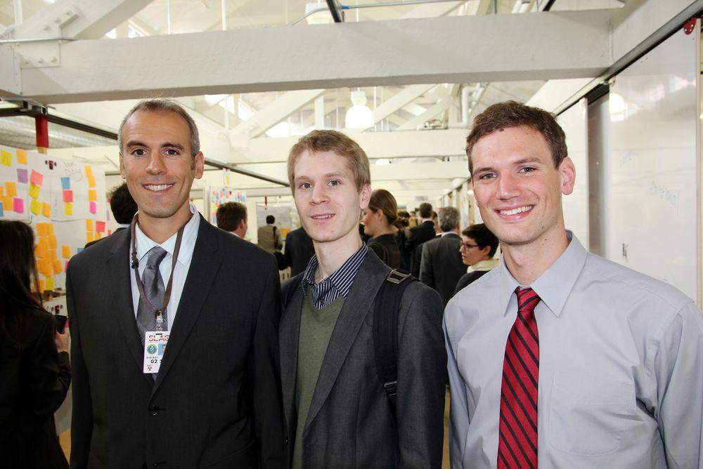 Stortrives: – På Stanford får vi brukt evnene våre, sier forsker Erik Adli (fra venstre) og studentene Bjørn Erik Wulff og Eirik Ravnan.   Foto: Tormod Haugstad