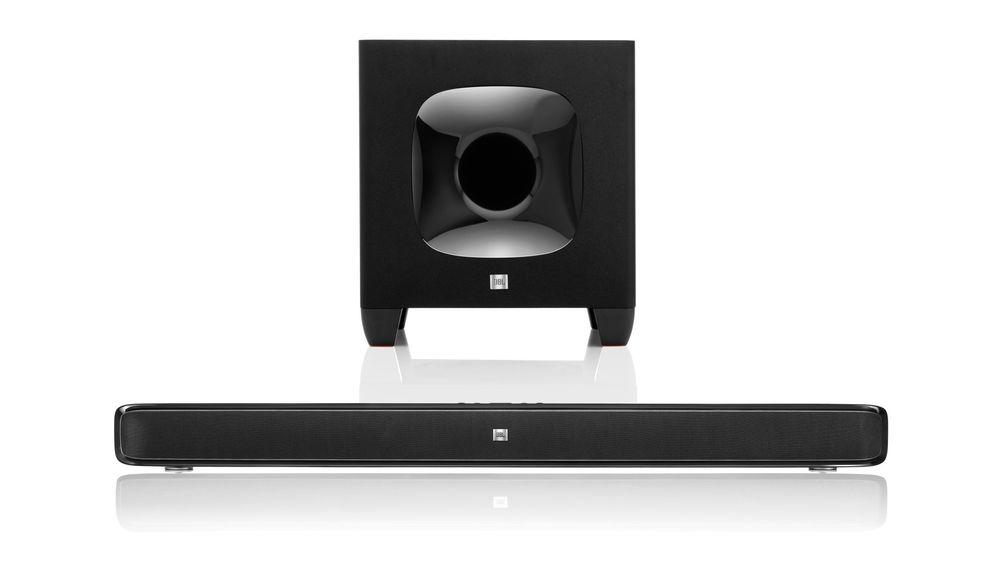 JBL Cinema SB 400 har trådløs subwoofer og gir bra lyd for pengene.