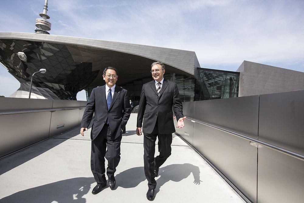 Sjefene for Toyota og BMW, Akio Toyoda og Norbert Reithofer, har funnet tonen og utvider FoU-samarbeidet.
