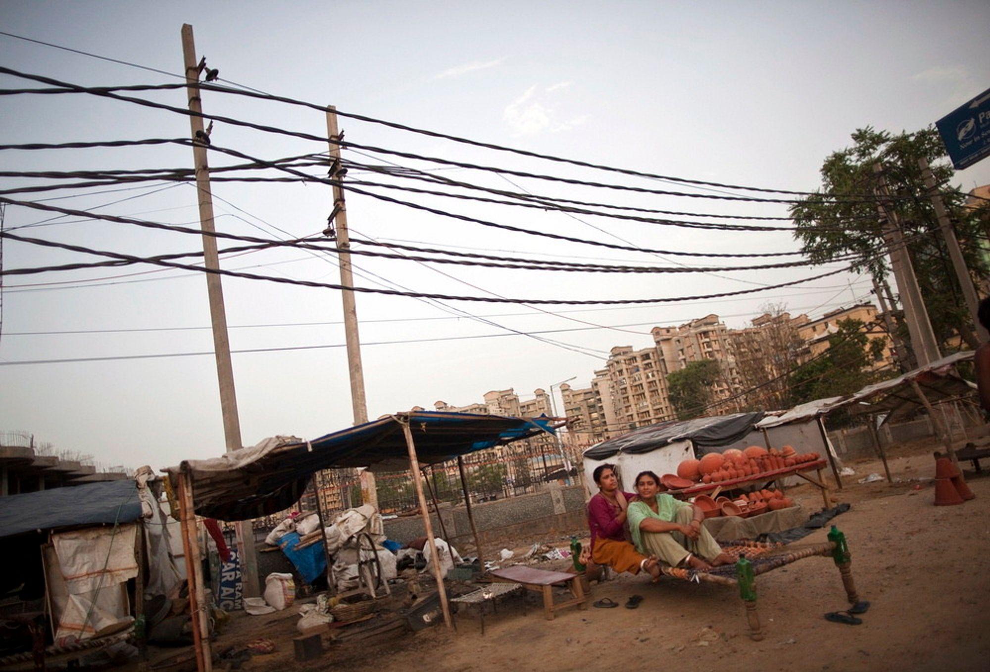 India er ikke kjent for å ha et stabilt strømnett, men strømbrudd slik som mandag og tirsdag er langt fra vanlig.