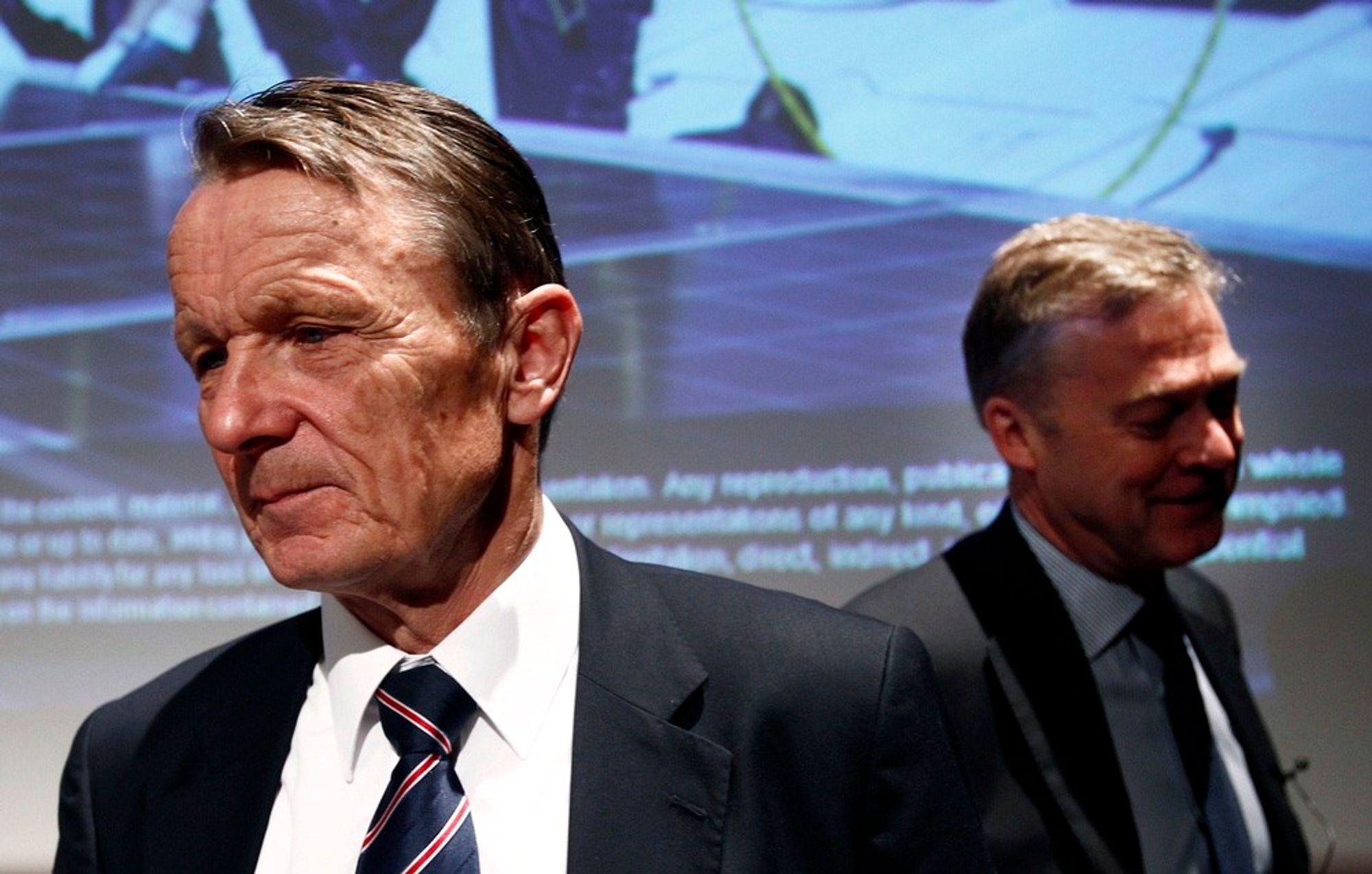 AVVISER KRAV: Administerende direktør i REC, Ole Enger (t.v.), sier de ikke har satt av penger til å dekke leverandørenes krav. Her med Bjørn Brenna under resultat-fremleggelsen i april i år.