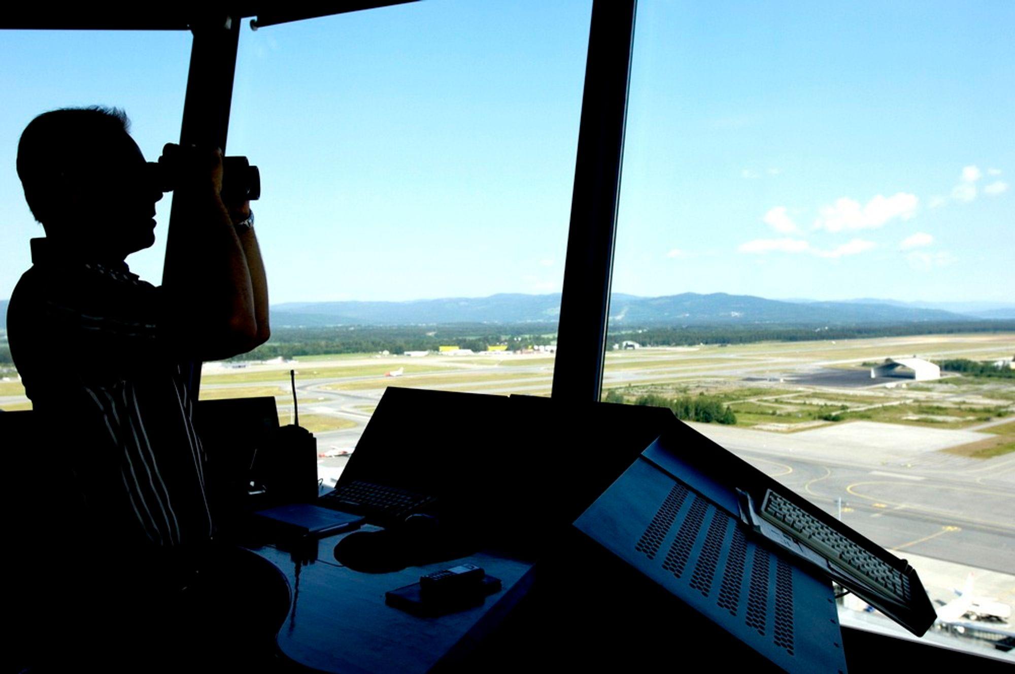 Avinor innfører fjernstyring av tårntjenestene ved norske flyplasser.