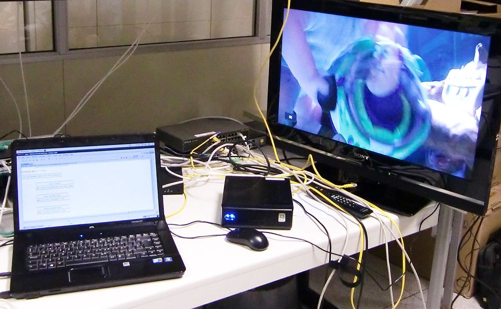 TEST: Her har forskerne testet appen på en Toy Story-film i Telefonicas laboratorium.