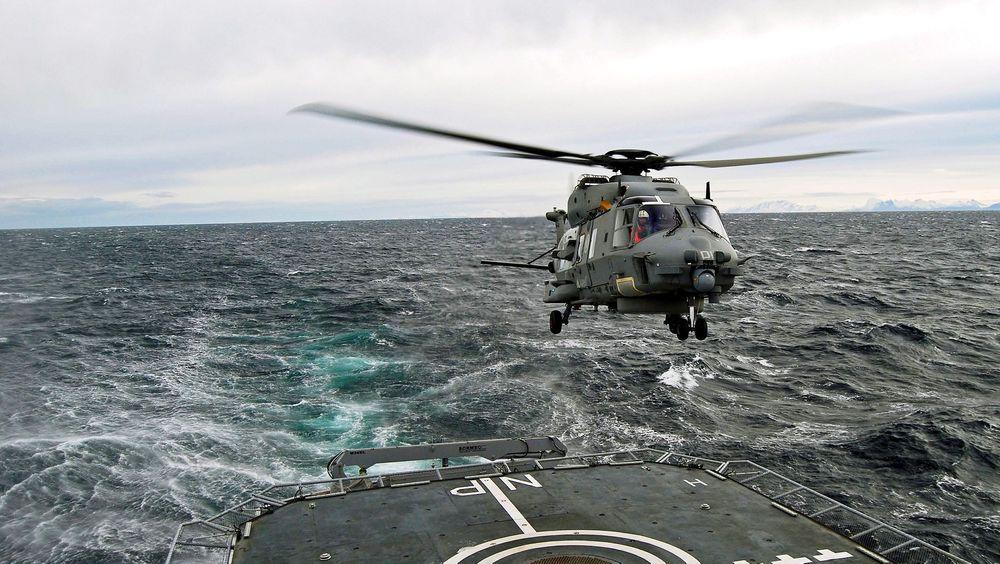 Regjeringen begynner å bli lei av å vente på NH-90-helikoptrene Norge har bestilt.