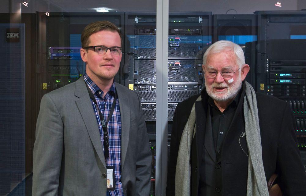 KOBLER SAMMEN: Forretningsutvikler i IBM, Hans Andreas Setvik i IBM og markedsdirektør i Numascale, Sjur Fjellbirkeland tror verden er klar for den norske sammenkoblingsteknologen.