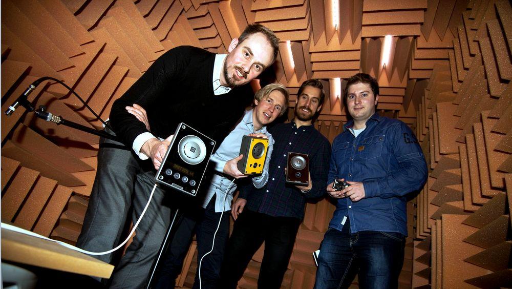 Tom-André Tarlebø (fra venstre), Simen Kjellberg, Fredrik Edlund og Erik Bjørkander var alle under 30 år da de utviklet Zenitels Stentofon Turbine. Nå merker selskapet ingeniørmangelen.