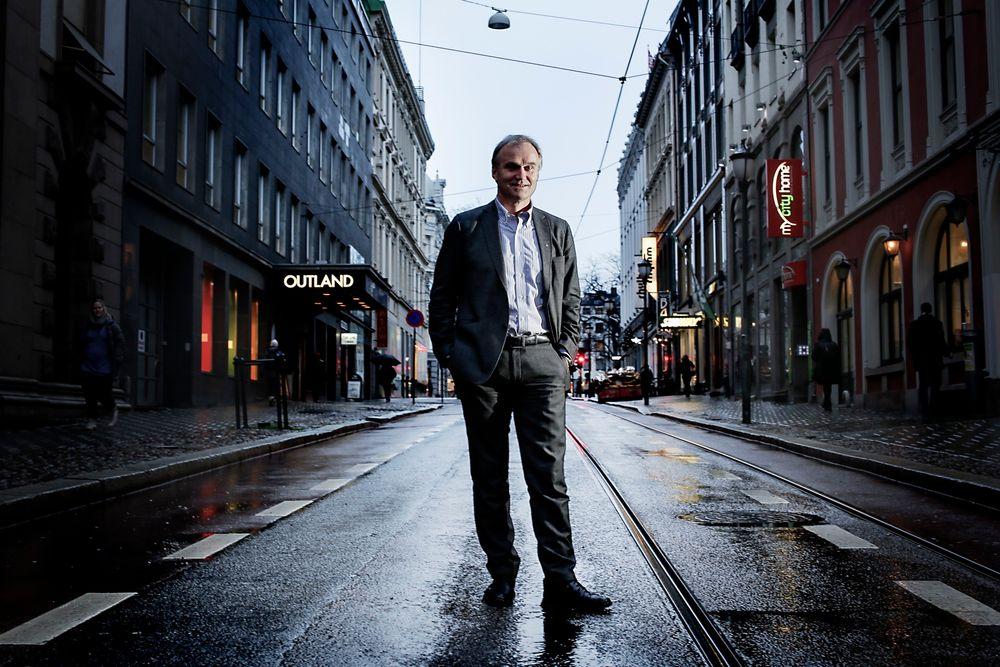 Ekstraordinære tiltak: Geir Isaksen mener at vi trenger en ekstraordinær satsning på kollektivtransport med jernbanen i en sentral rolle.  Alle foto: Håkon Jacobsen