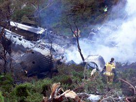 STORD 2OO61010 Et Atlantic Airways fly havarerte etter landing på Sørstokken flyplass på Stord tirsdag morgen. Vraket tok fyr og brant helt ut.Foto: 330-skvadronen / Forsvaret / SCANPIXNB. Bildet MÅ krediteres 330-skvadronen ved bruk
