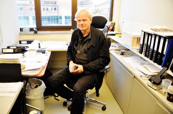 VIL BYGGE LANGSIKTIG: - Hvis vi bygger noe som må rives om 30 år har vi mislykkes, mener professor Marius Nygaard, professor ved AHO.
