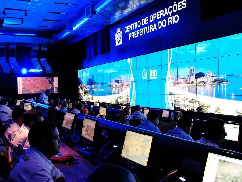 I dette operasjonsrommet sitter representanter for 30 offentlige etater samlet i Rio de Janeiro. Tirsdag fortalte IBM norske myndigheter om løsningene deres for smarte byer.