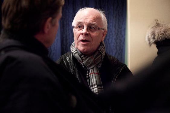 Prosjektleder i Follobanens tunneldel, Thor Stenersen, i samtale med Petter Martinsen fra Nesodden om kunstig øy-prosjektet.