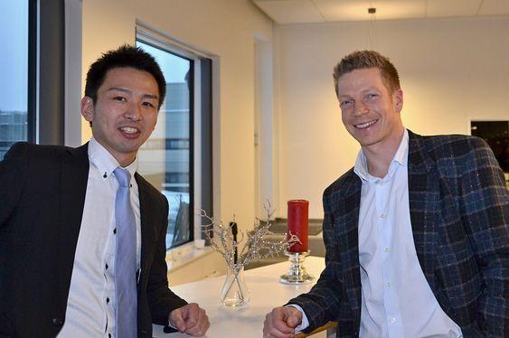 Yasutaka Takada fra Iwatani Corporation og Hynor-leder Bjørn Simonsen.