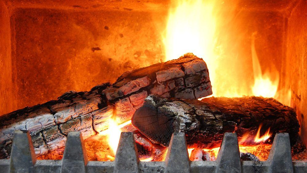 En etterbrenner kan gjøre forbrenningen i gamle ovner mer fullstendig.