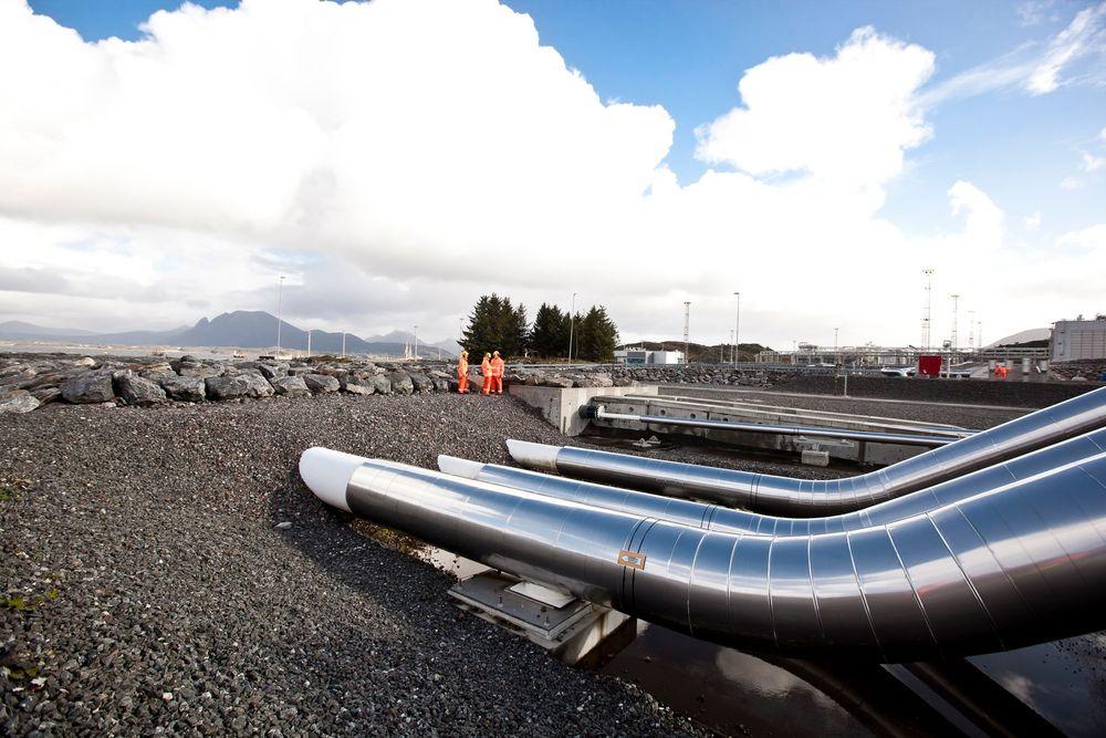 Olje- og energidepartementet kan ikke love at Statnett får gjenoppta arbeidet på kraftlinjen i Bremanger tidsnok til å få satt Ørskog-Fardal-linjen i drift i 2016. Linjen er viktig for ilandføringen av gassen fra Aasta Hansteen.