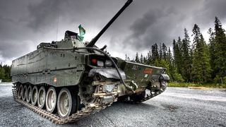 Forsvaret vil ha nye panservogner til ti milliarder