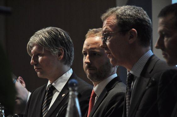 KREVER FORTGANG PÅ FORNEBU: Idar Kreutzer (nr. 2 fra høyre) mener at et Fornebu uten bane er en katastrofe som venter på å skje.