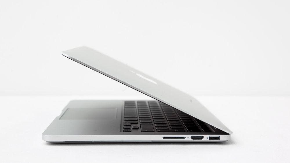 Den minste retina-utgaven av Macbook Pro får et solid priskutt bare måneder etter lansering.
