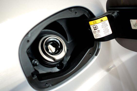 I dag leveres alle Ford-modellene med et system som forhindrer fylling av feil drivstoff.