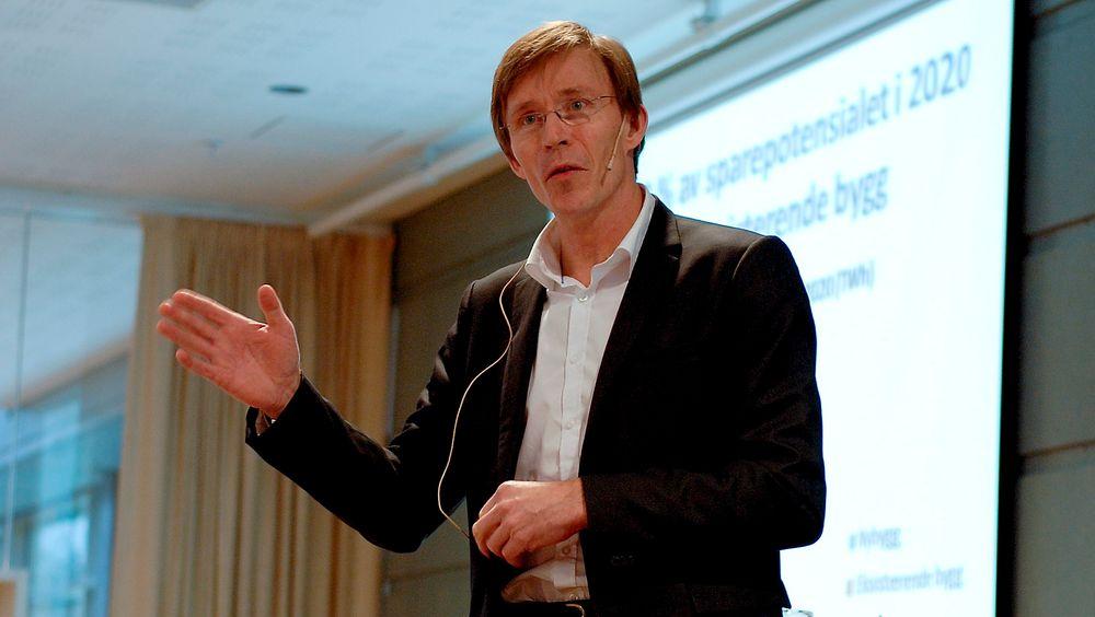 Statssekretær Dag-Henrik Sandbakken (Sp) innrømmer at det har vært diskusjoner innad i regjeringen om hvorvidt nordmenn trenger pengestøtte for å energieffektivisere husene sine.
