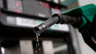 Ny rapport: Bensinprisene må øke med 50 prosent om man skal få ned utslippene