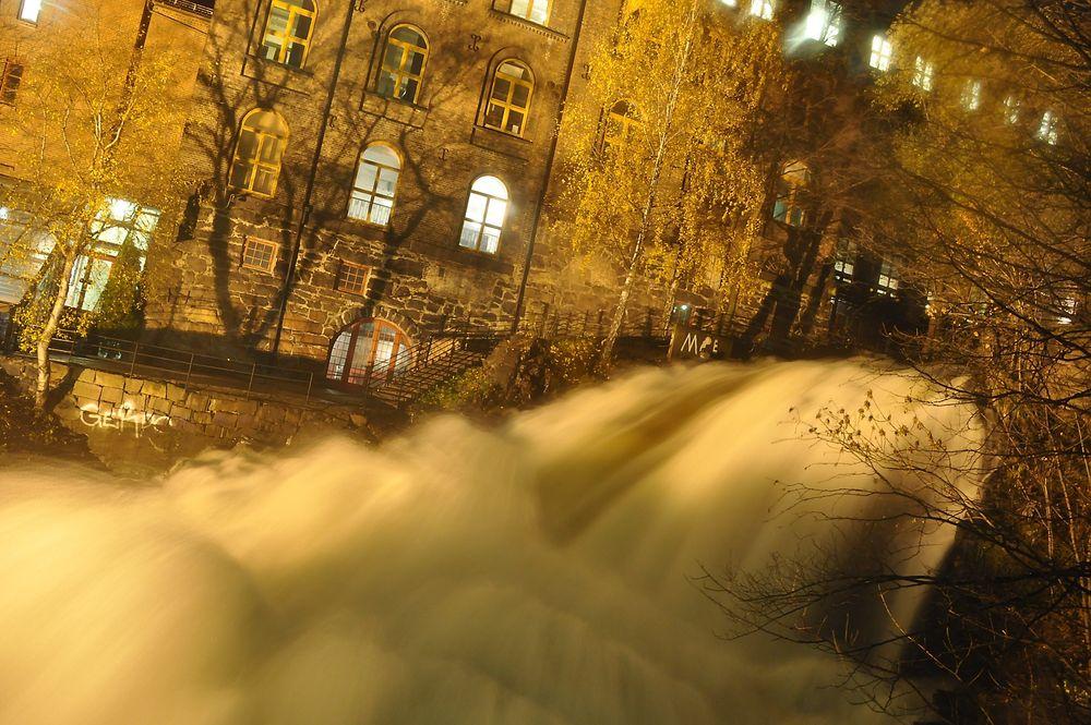 UREGJERLIGE VANNFOREKOMSTER: Mye tyder på at NVE er toppkandidat til å bli Norges overvannsmyndighet. Her fra Akerselva, november 2012.