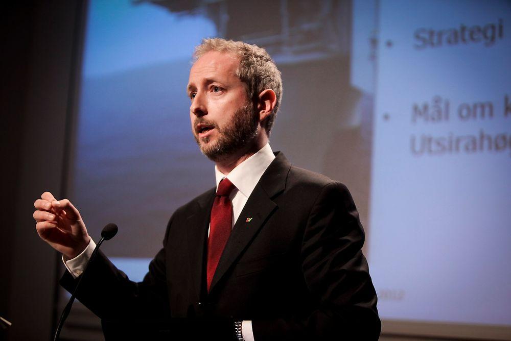 Miljøvernminister Bård Vegar Solhjell har ambisiøse klimamål med seg i bagasjen til Qatar, men Norge har hatt en massiv utvikling i negativ retning de siste 20 årene.