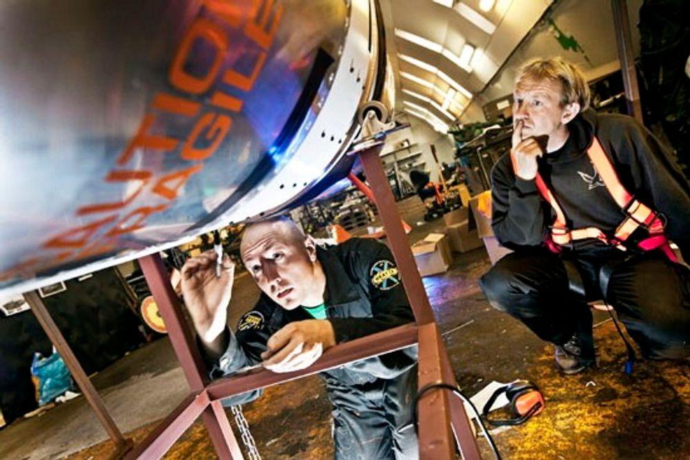 Kristian Von Bengtson and Peter Madsen og resten av Copenhagen Suborbitals utvikler verdens største amatørrakett.