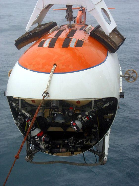 Mir-1 ble brukt da en russiskledet ekspedisjon plantet det russiske flagget på havbunnen under polpunktet i 2007.
