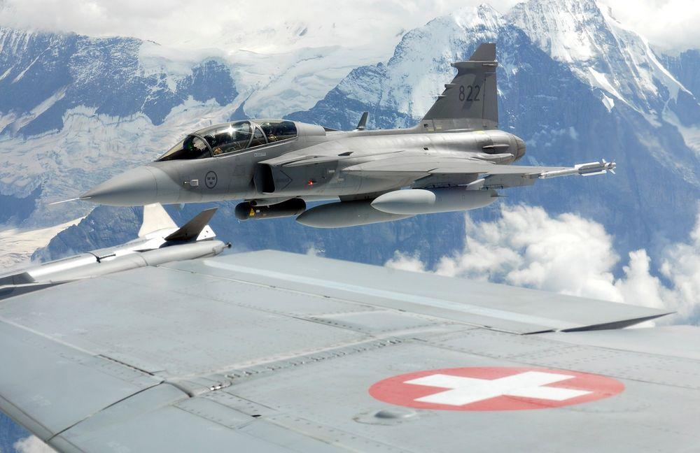 Sveits skal anskaffe 22 Jas-39E Gripen for i overkant av 19 milliarder kroner. Bildet viser en D-versjon.