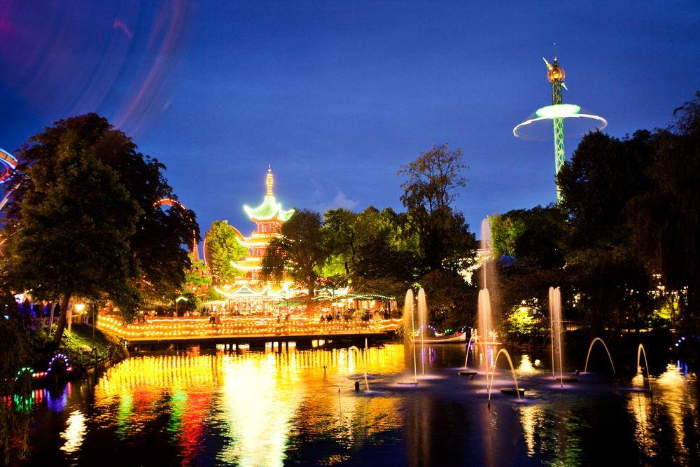 2800 konvensjonelle pærer ble skiftet ut med LED i Pagoden i Tivoli.