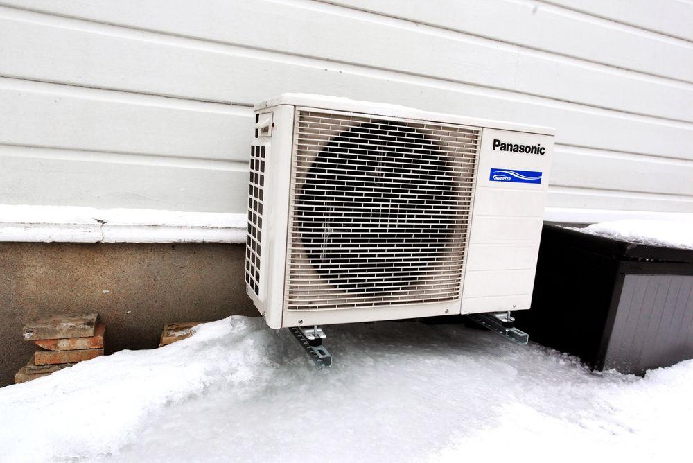 Årsaken til at mange varmepumpeinstallatører ikke ble sertifisert i tide er trolig at mange ikke regnet med at kravene ble fulgt opp med kontroller, ifølge Varmepumpeforeningen.