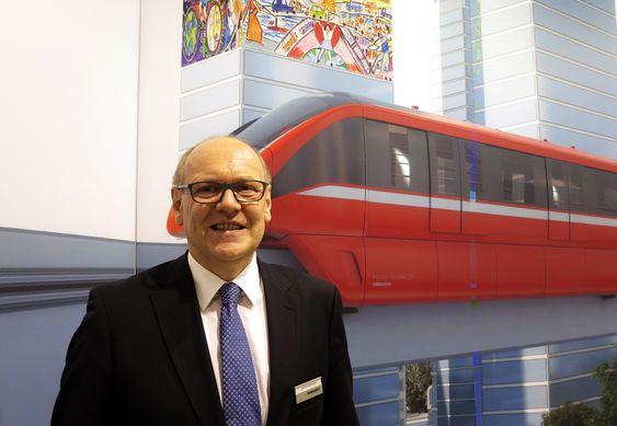 Tror på monorail: Josef Doppelbauer i Bombardier mener monorailen er tingen for byer som ennå ikke har installert et metrosystem.