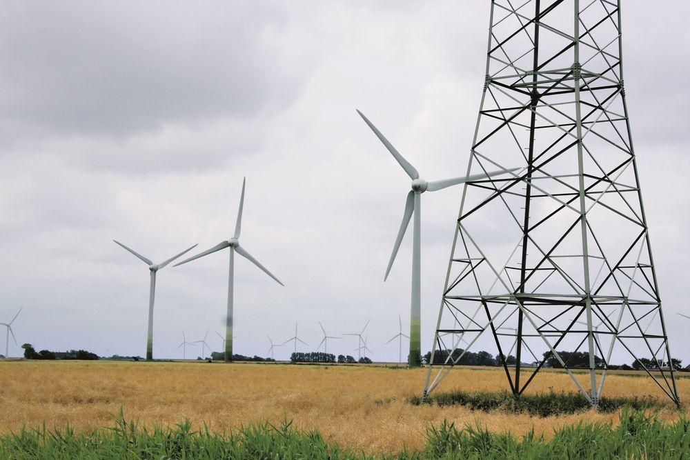 ERSTATNING: Hvis man kan påvise at en vindpark har ført til verdifall, får man erstatning i Danmark.    Foto: Jörgen Skjelsbæk