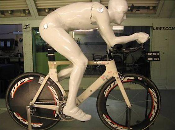 Cervélo bruker denne dukken for å teste syklenes aerodynamikk.