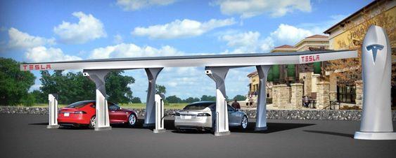 Teslas nye ladestasjoner, som visstnok er bygget opp i hemmelighet i seks eksemplarer, forsyner elbilene med solkraft.