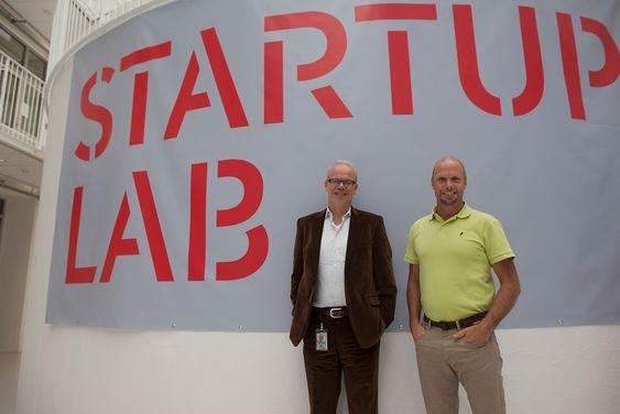 Googles norgesjef Jan Grønbech og Bjørn Haugland, daglig leder i IT-myggen Symphonical.