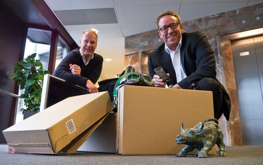 Pakkeløsning: Forretningsutvikler i Easybring, Marius Røstad (t.v.) og daglig leder, Erland Bakke vil revolusjonere pakketransporten. Den skal bli miljøvennlig gjennom å utnytte ledig kapasitet og samtidig gi folk en ekstra slant i lomma.