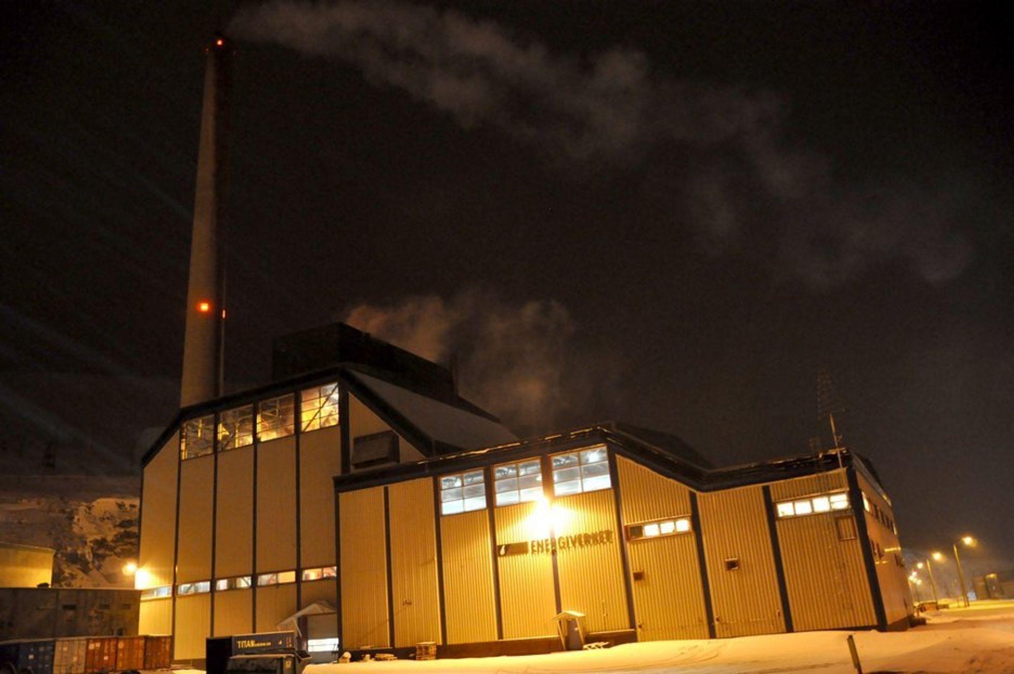VETERAN: Norges eneste kullkraftverk står i utkanten av Longyearbyens sentrum.