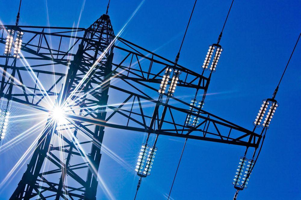 OVERFLOD: Statnett bygger fiberlinjer for å styre kraftnettet, og det har mye overskuddskapasitet som tilbys lokale leverandører.
