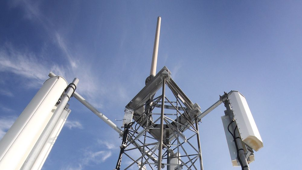 Ingen vil ha utsikt til en slik mast. Det skaper trøbbel for mobilutbyggingen.