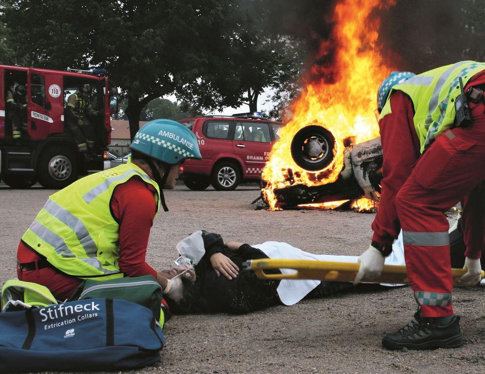 Nødnett: Vi må vente lenge før Norge får et nødnett for politi, brannvesen og ambulansetjeneste.