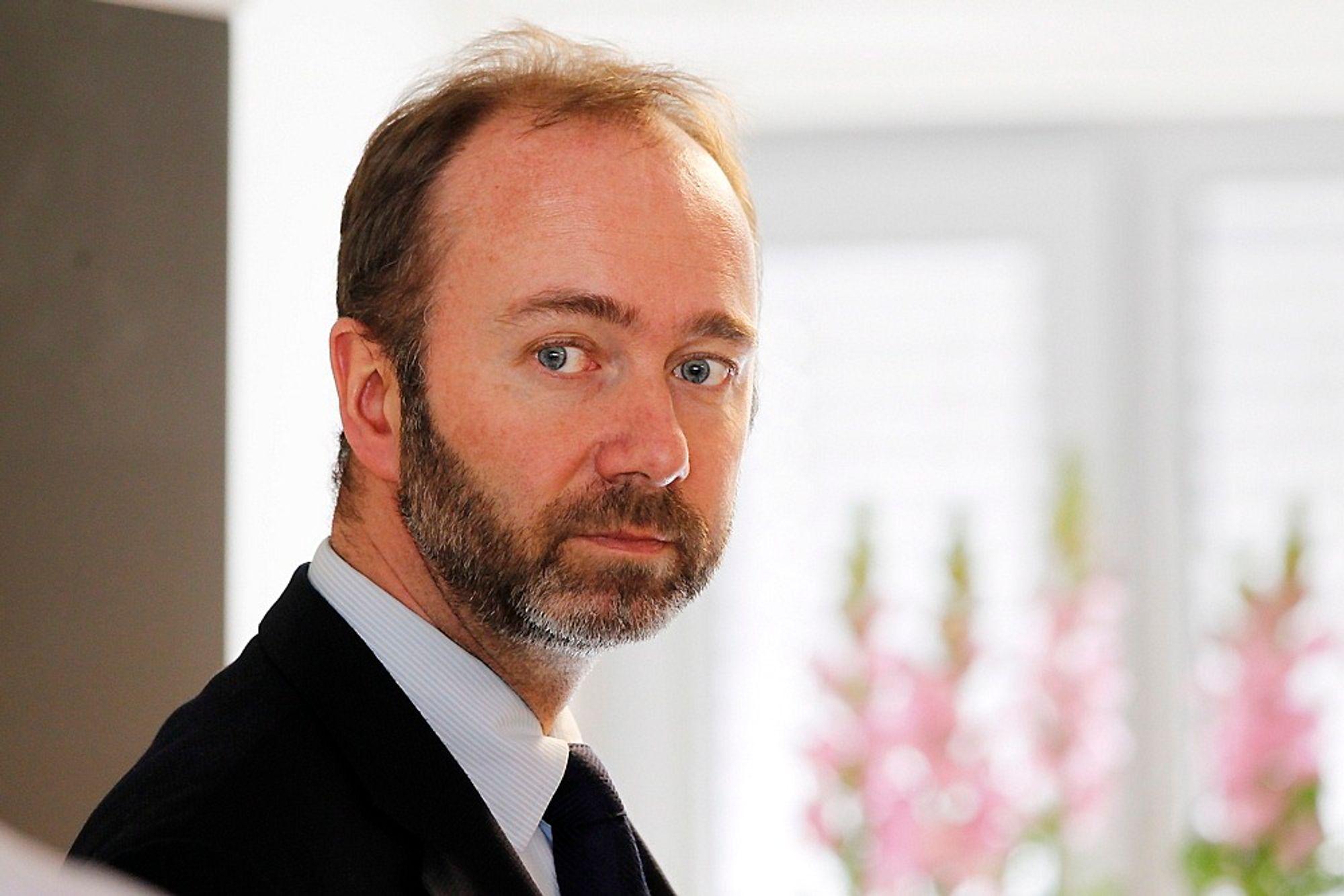 Nærings- og handelsminister Trond Giske åpner for å deponere gruveavfall fra mineralindustrien i norske fjorder. Miljøbevegelsen er skeptisk.