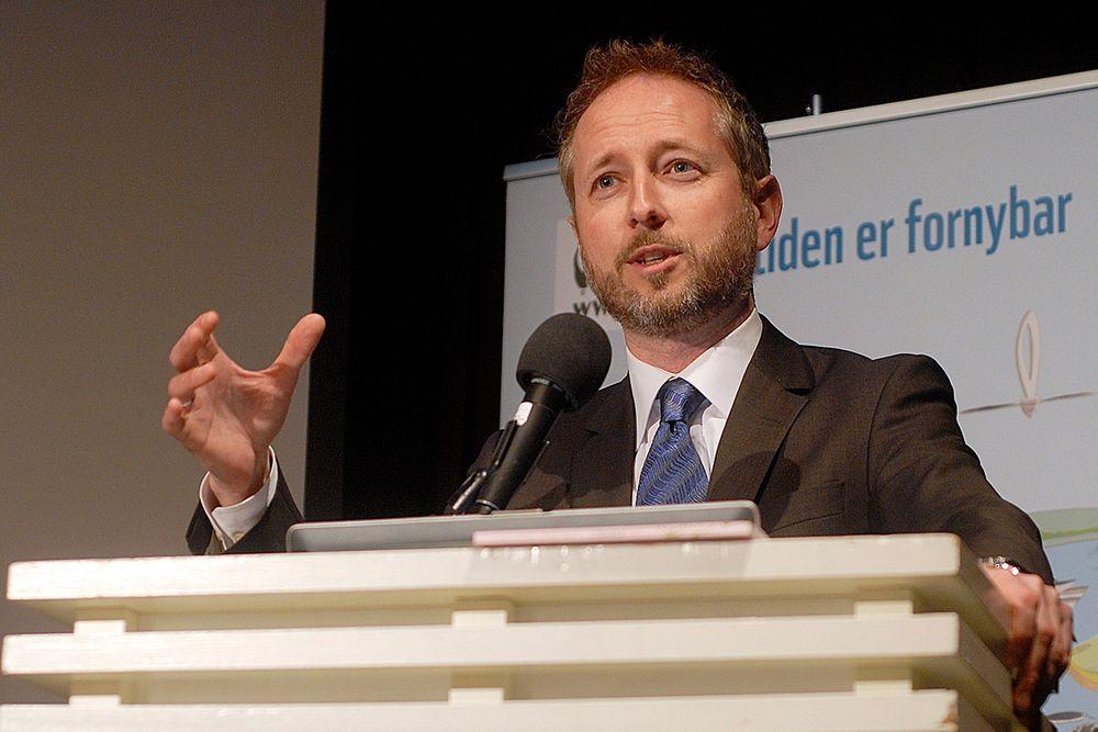 SER MOT 2050: Den ferske miljøvernministeren Bård Vegar Solhjell benyttet ikke WWFs Earth Hour-seminar til å legge fram nye klimaløfter.