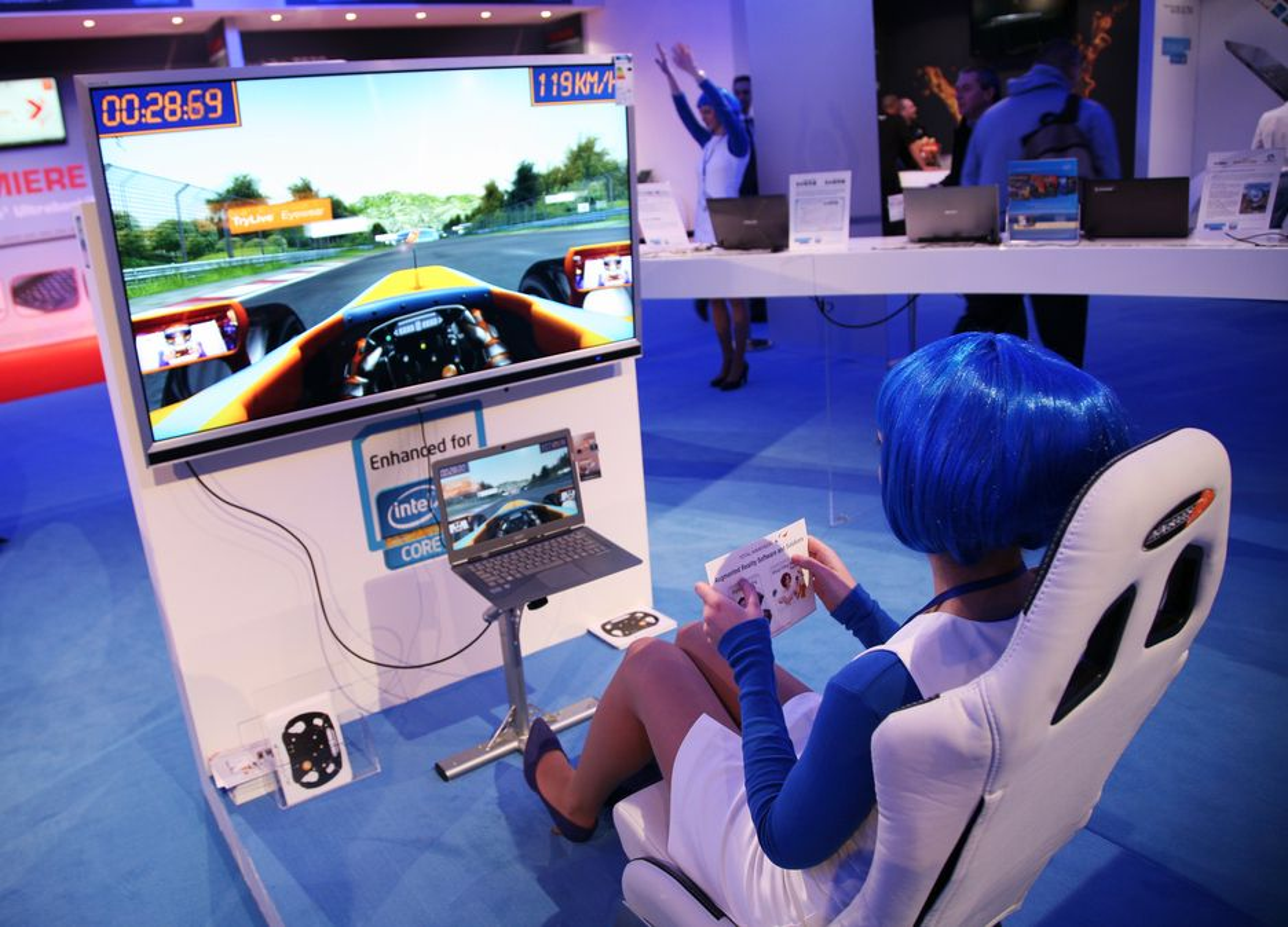 CeBIT: Hos Intel kunne folk prøve ut augmented reality.