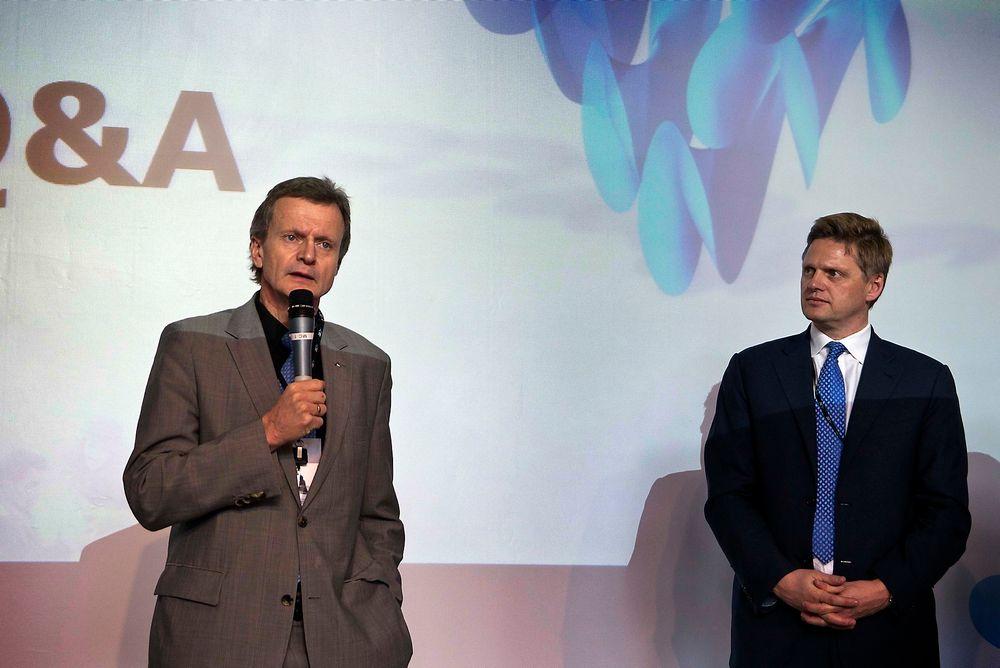 Konsernsjefen i Telenor Fredrik Baksaas presenterte muligheter for mHealth sammen med direktør for BCG i Norge, Knut Haanæs.