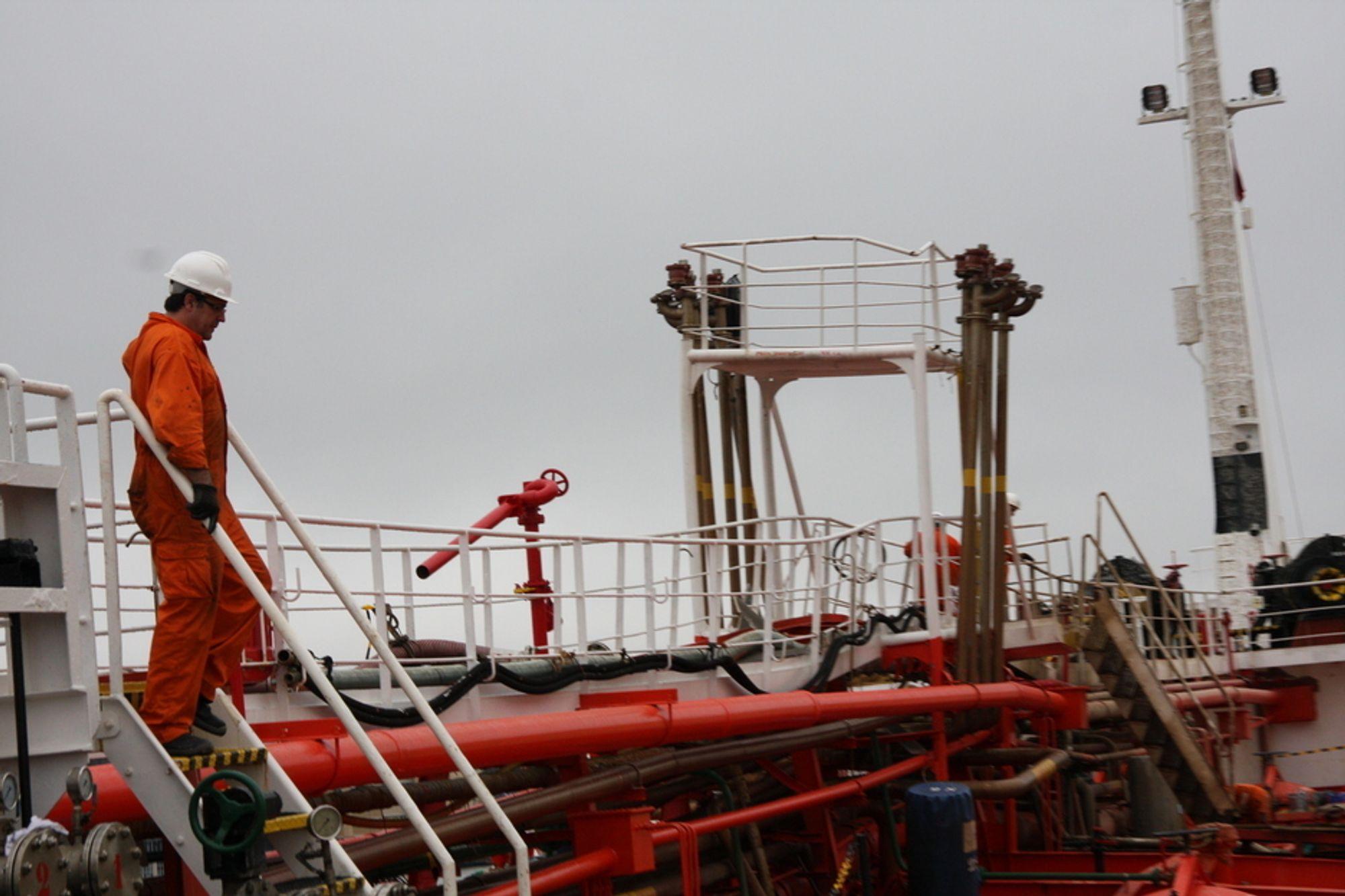 Tett: Skipet Mar Cristina fikk 30. august 2011 eksplosjon i en tank rett før det skulle ta om bord oljeholdig vann fra en av Oleon-tankene.